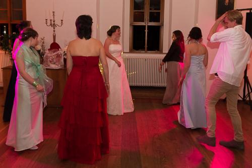 dancing_